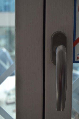 Finestra in Alluminio esterno bianco e Legno interno bianco venato frassino (4)