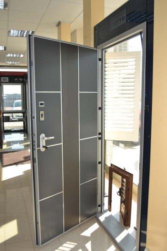 Porta Blindata HIBRY meccanica ed Elettrica con rivestimento interno in lavagna (5)