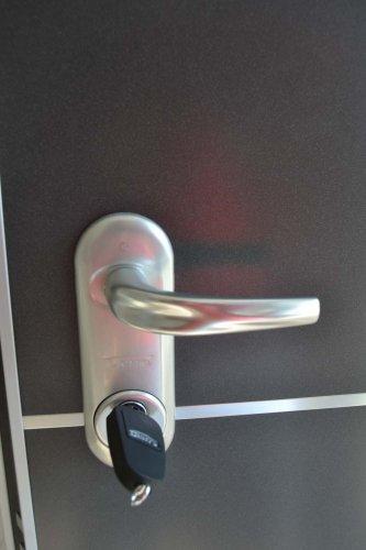 Porta Blindata HIBRY meccanica ed Elettrica con rivestimento interno in lavagna (7)