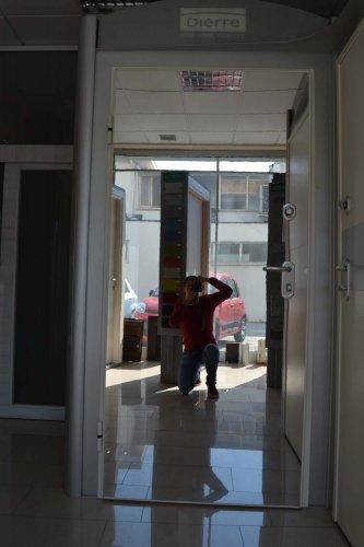 porta blindata Dierre TAblet, ad alto isolamento termico ed acustico, con telaio bianco, rivestimento esterno bianco ve rivestimento interno effetto specchio (6)